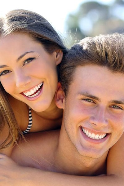 Dentist for young couple Dr Shenas